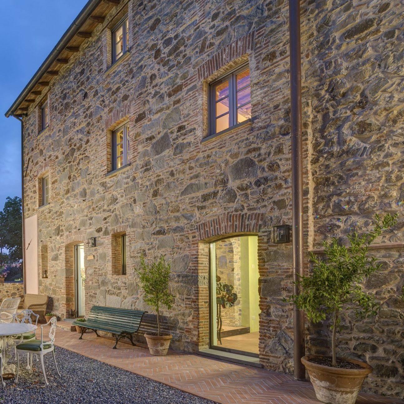 Renovation historic villa Lucca